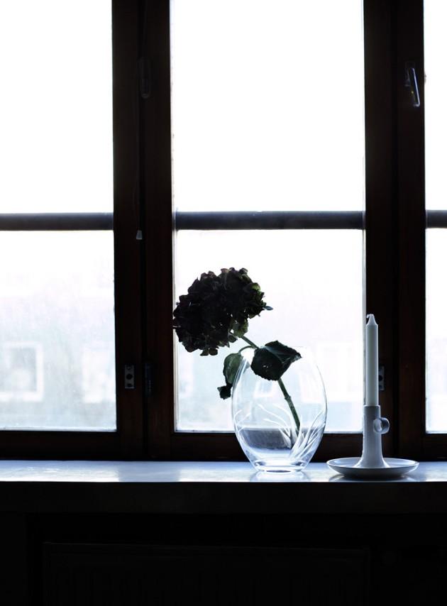 ikkunalla_suvisurlevif
